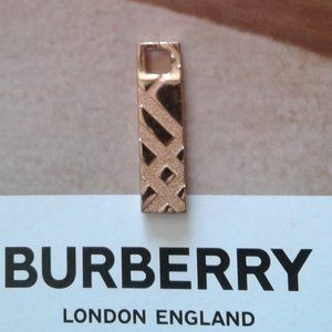 AUTH NEW BURBERRY LONDON PENDANT necklace ROSEGOLD